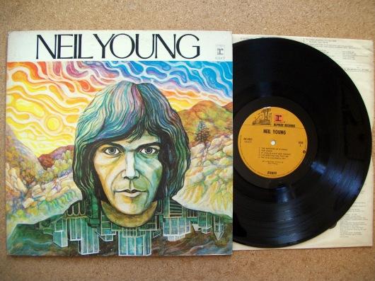 תקליט הבכורה של ניל יאנג. 1968