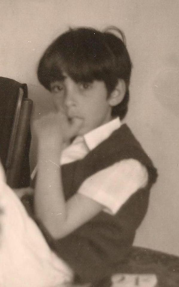 בועז 1974 אצבע בפה